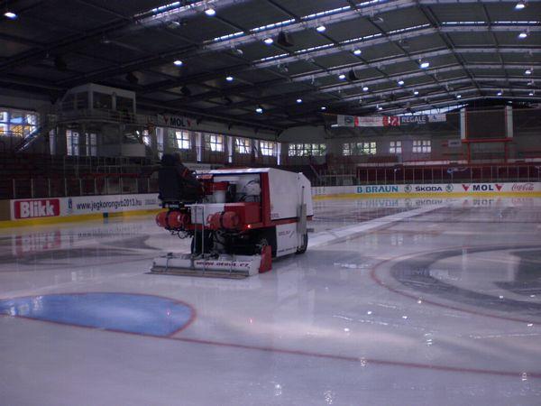 Dunaújváros Jégcsarnok hűtőrendszer